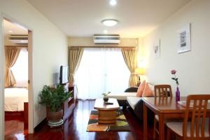 NP1 One Bedroom - Living Room